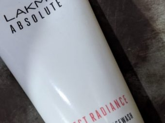 Lakme Absolute Perfect Radiance Skin Lightening Face Wash -Removes Tan-By vaishali_0111