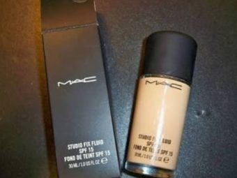 MAC Studio Fix Fluid Foundation With SPF 15 -Easily covers blemishes-By vanitylove
