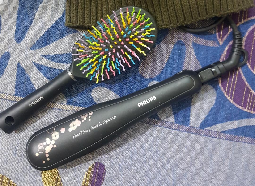 Philips KeraShine HP8316 Hair Straightener-Makes your hair look shiny!-By poonam_kakkar
