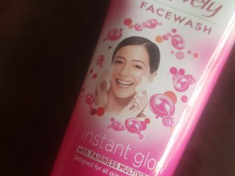 Fair & Lovely Instant Glow Clean Up Fairness Face Wash -Awesome face wash for Fair and Lovely fans!-By poonam_kakkar