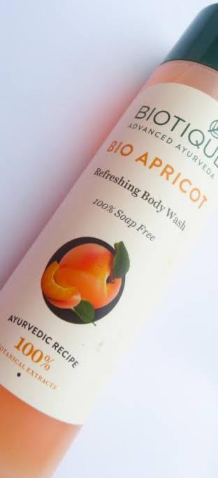 Biotique Bio Apricot Refreshing Body Wash -Nice-By pogostylecase