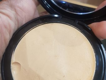 Lakme Absolute White Intense Wet & Dry Compact -3 in 1 compact!-By poonam_kakkar