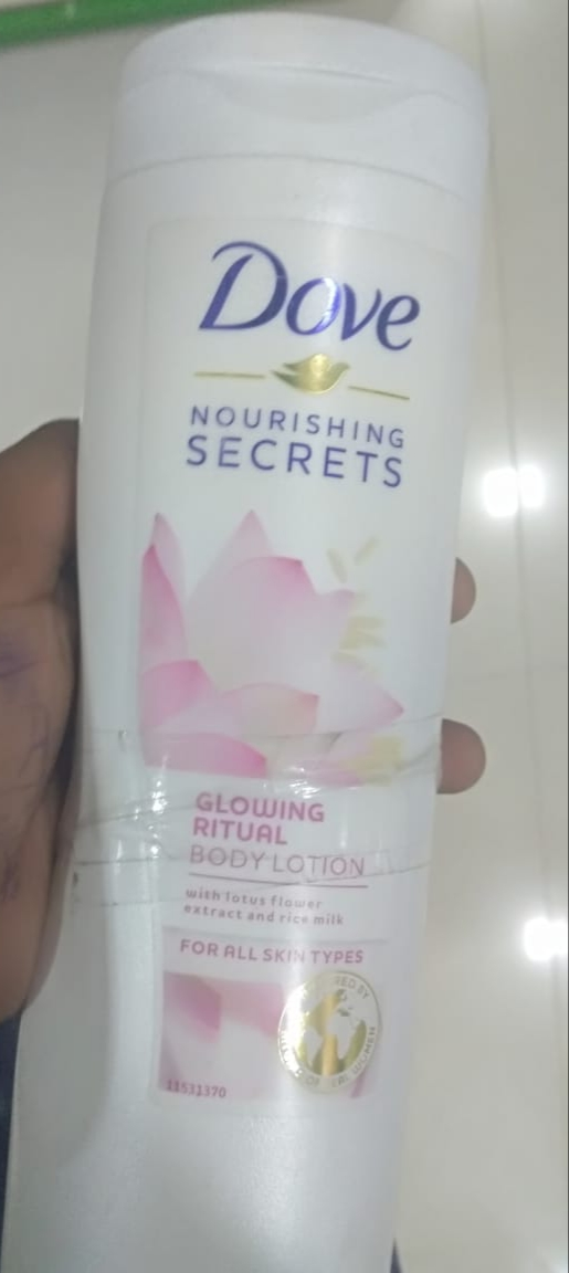 Dove Essential Nourishment Body Lotion-nice-By pogostylecase