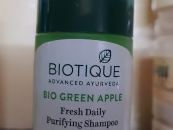 Biotique Bio Green Apple Fresh Daily Purifying Shampoo & Conditioner pic 2-Mild Hair Cleanser-By poonam_kakkar