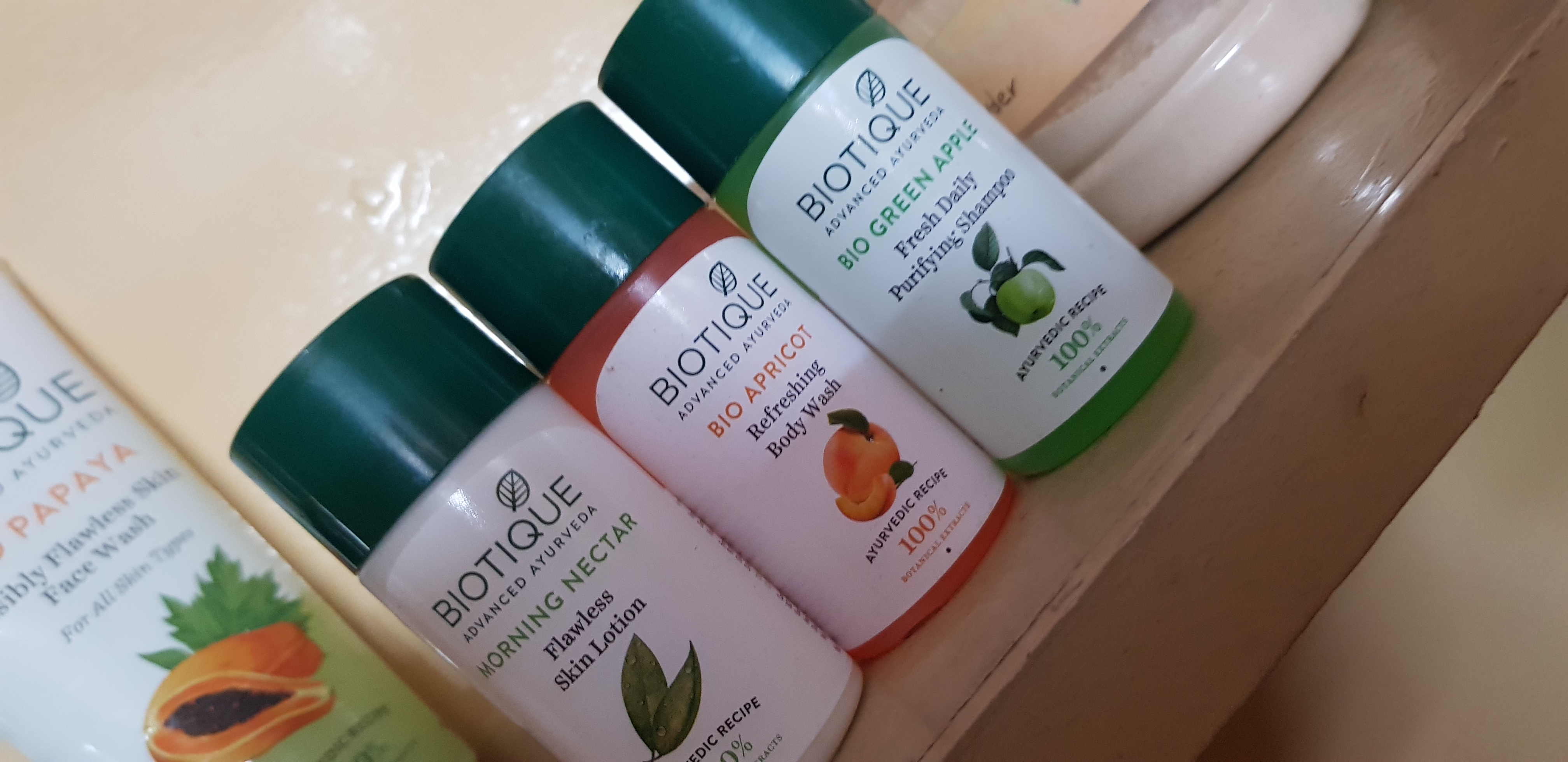 Biotique Bio Apricot Refreshing Body Wash-Mild and gentle!-By poonam_kakkar-1