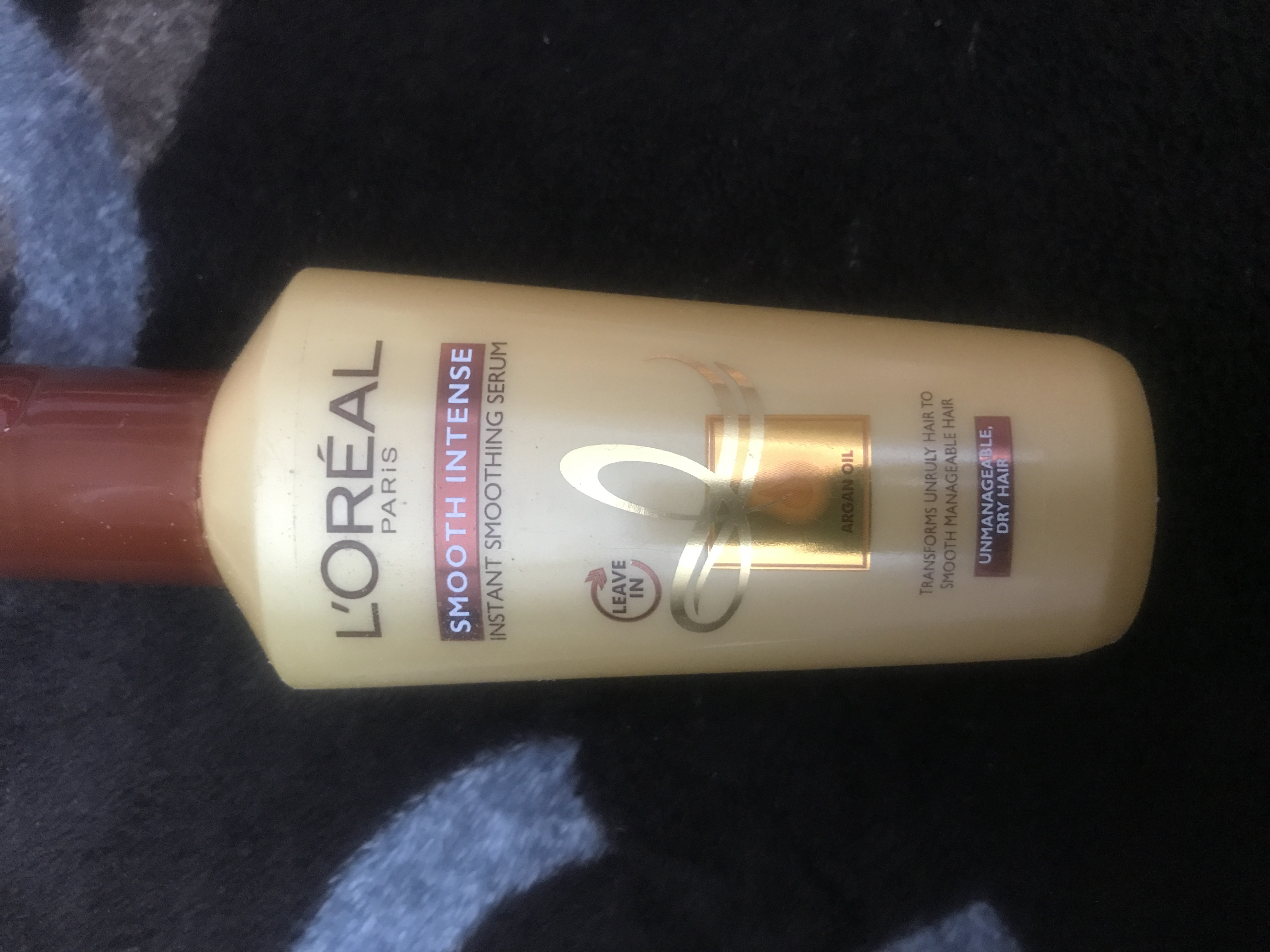 L'Oreal Paris Smooth Intense Instant Smoothing Serum -Smoothening serum-By poonam_kakkar