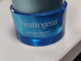 Neutrogena Hydro Boost Water Gel With Hyaluronic Acid -Gel based cream-By poonam_kakkar
