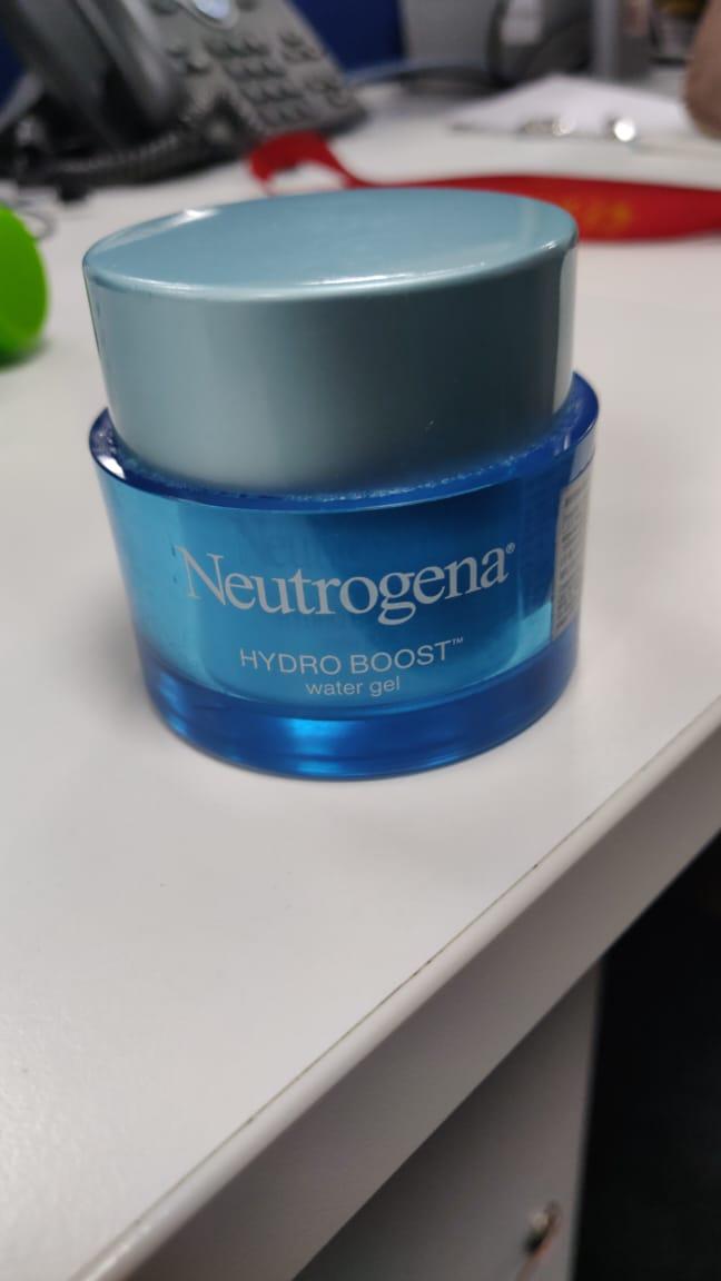 Neutrogena Hydro Boost Water Gel With Hyaluronic Acid-Gel based cream-By poonam_kakkar