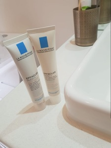 La Roche-Posay Toleriane Double Repair Face Moisturizer-Awesome face moisturizer-By poonam_kakkar