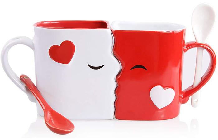 Blu Devil Kissing Mugs Set