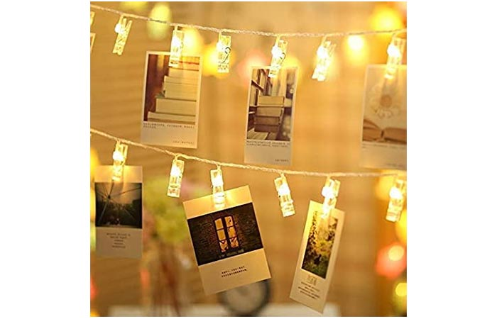 Photo hanging clips