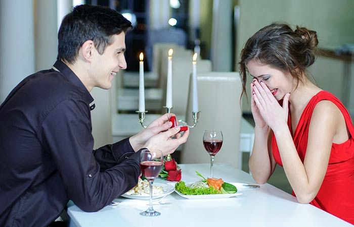 Propose shayari and message to express love to girl