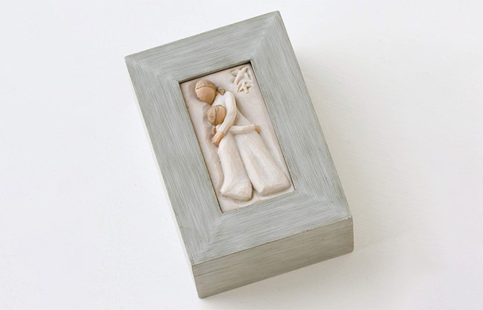 Sculpted hand-painted memory box