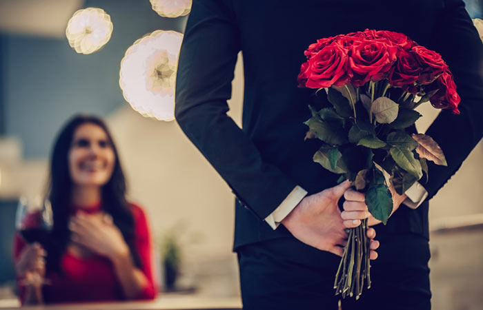Quotes For Valentine's Day In Hindi1