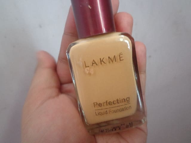 Lakme Perfecting Liquid Foundation -perfect for skin-By aashnajain09