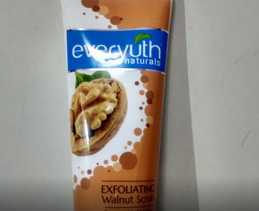 Everyuth Naturals Exfoliating Walnut Scrub-Best scrub-By sanna-1
