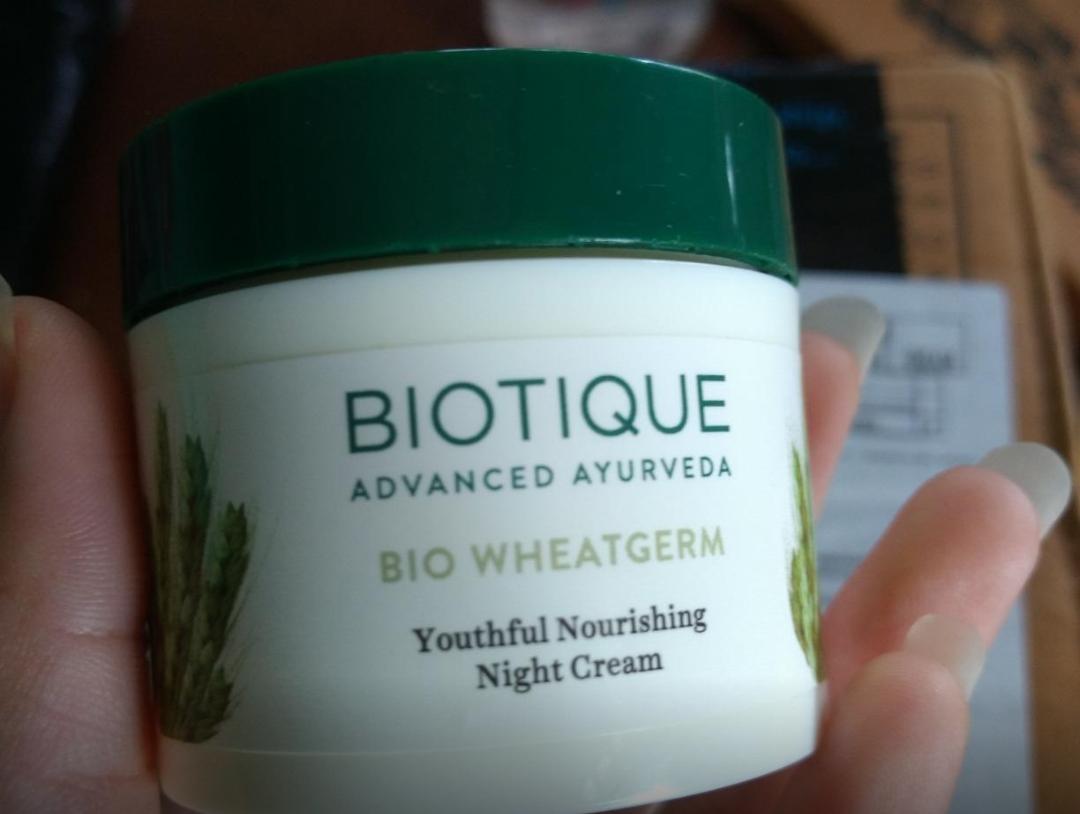 Biotique Bio Wheat Germ Youtheful Nourishing Night Cream-Best cream-By sanna-2