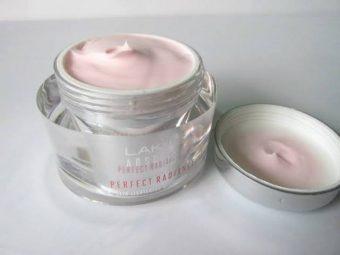 Lakme Absolute Perfect Radiance Skin Lightening Day Creme -Satisfactory product.-By pragya_sharma47