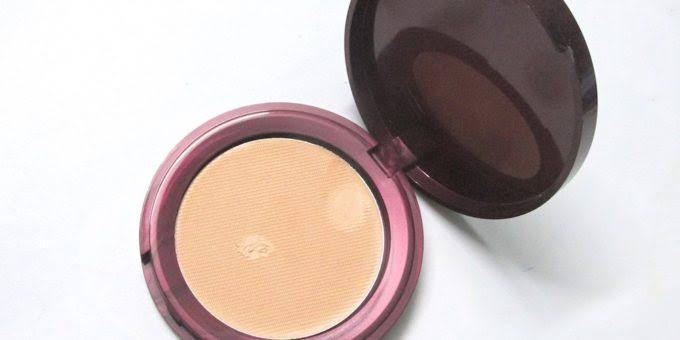 Lakme All In One Pan Cake-Okayish-By pogostylecase