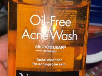 Neutrogena Oil-Free Acne Wash -No more acnes and break outs!-By poonam_kakkar