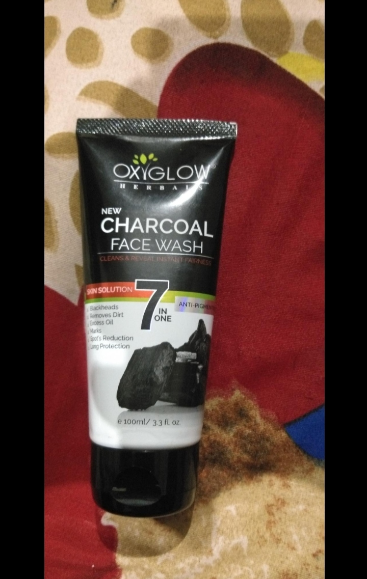Oxyglow 7 in One Anti Pigmentation Charcoal Face Wash-Highly recommend-By anglica_khushbu