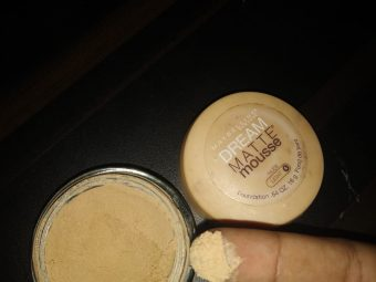 Maybelline Dream Matte Mousse Foundation pic 3-Good Product-By divya_shetty