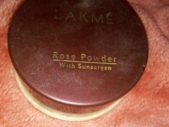 Lakme Whitening Rose Powder With Sunscreen -Lakme Whitening Rose Powder With Sunscreen-By aflyingsoul
