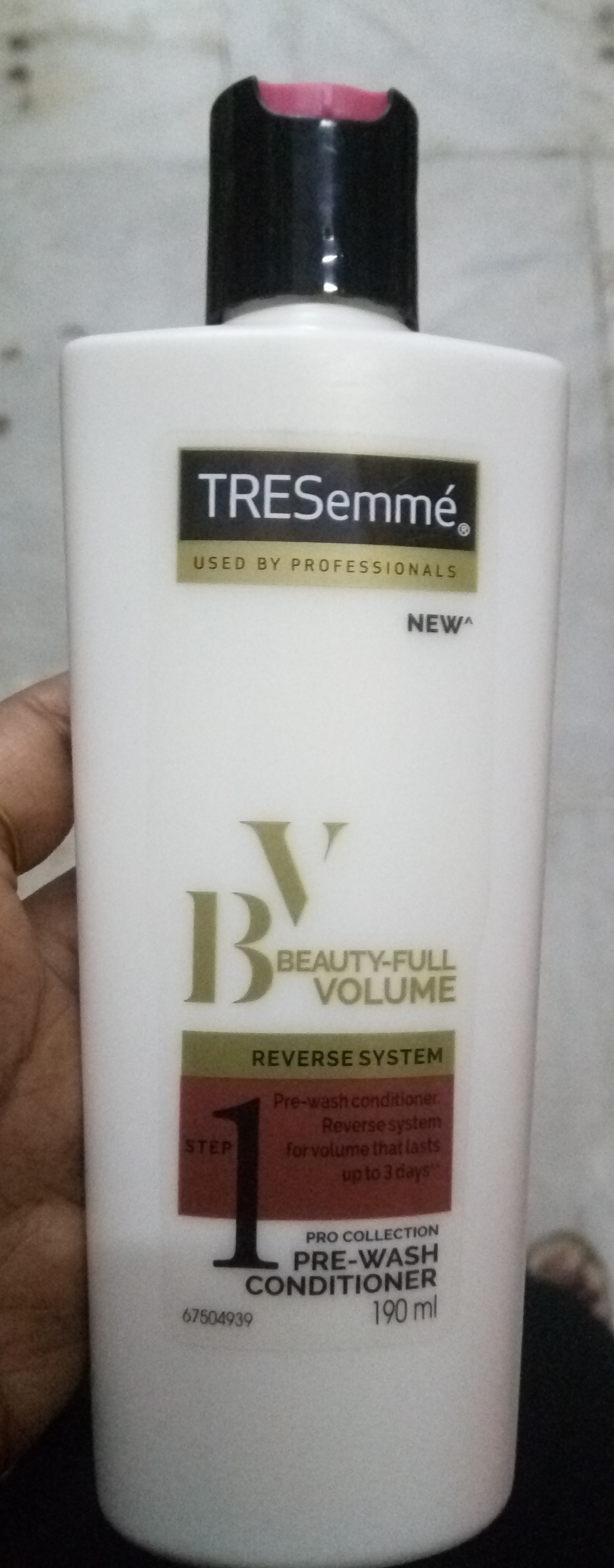 TRESemme Beauty-Full Volume Pre-Wash Conditioner-Not as expected-By Nasreen-1