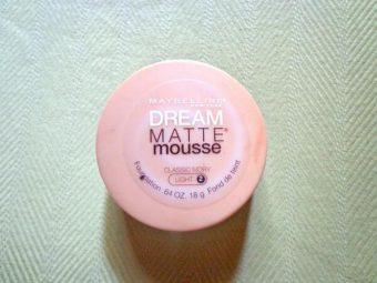 Maybelline Dream Matte Mousse Foundation -Maybelline Dream Matte Mousse Foundation-By aflyingsoul