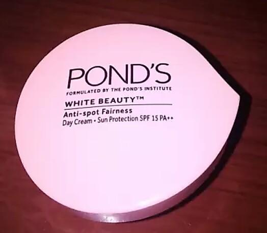 Pond's White Beauty Winter Anti Spot Moisturiser-Ponds White Beauty Winter Anti Spot Moisturiser-By aflyingsoul