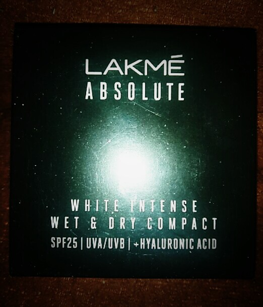 Lakme Absolute White Intense Wet & Dry Compact-Lakme Absolute White Intense Wet and Dry Compact-By aflyingsoul