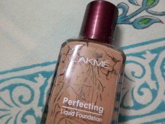 Lakme Perfecting Liquid Foundation -Lakme Perfecting Liquid Foundation-By aflyingsoul