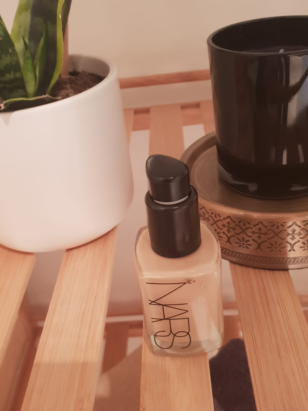 Nars Radiant Longwear Foundation-Fade resistant foundation!-By poonam_kakkar