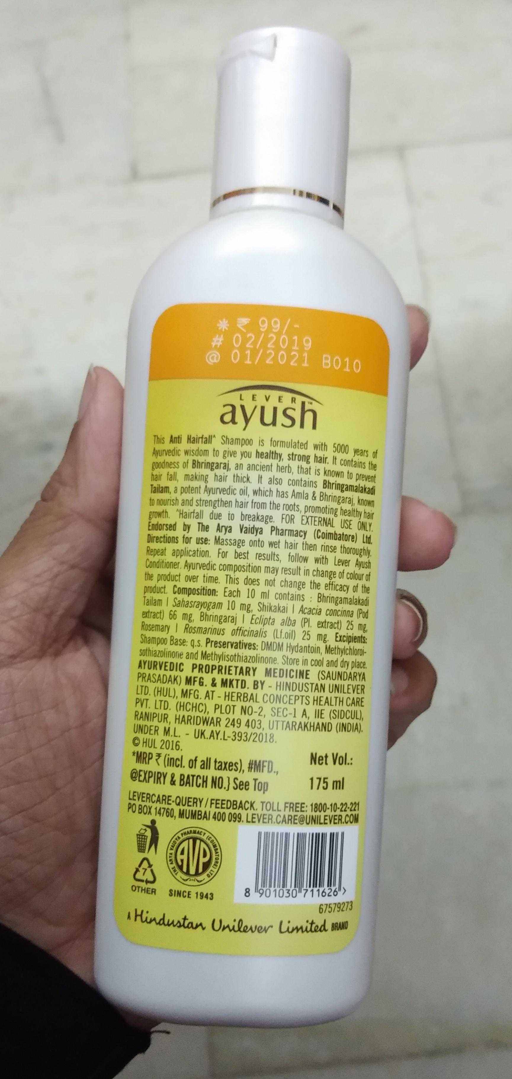 Lever Ayush Anti Hairfall Bhringaraj Shampoo-Not satisfied-By Nasreen-1