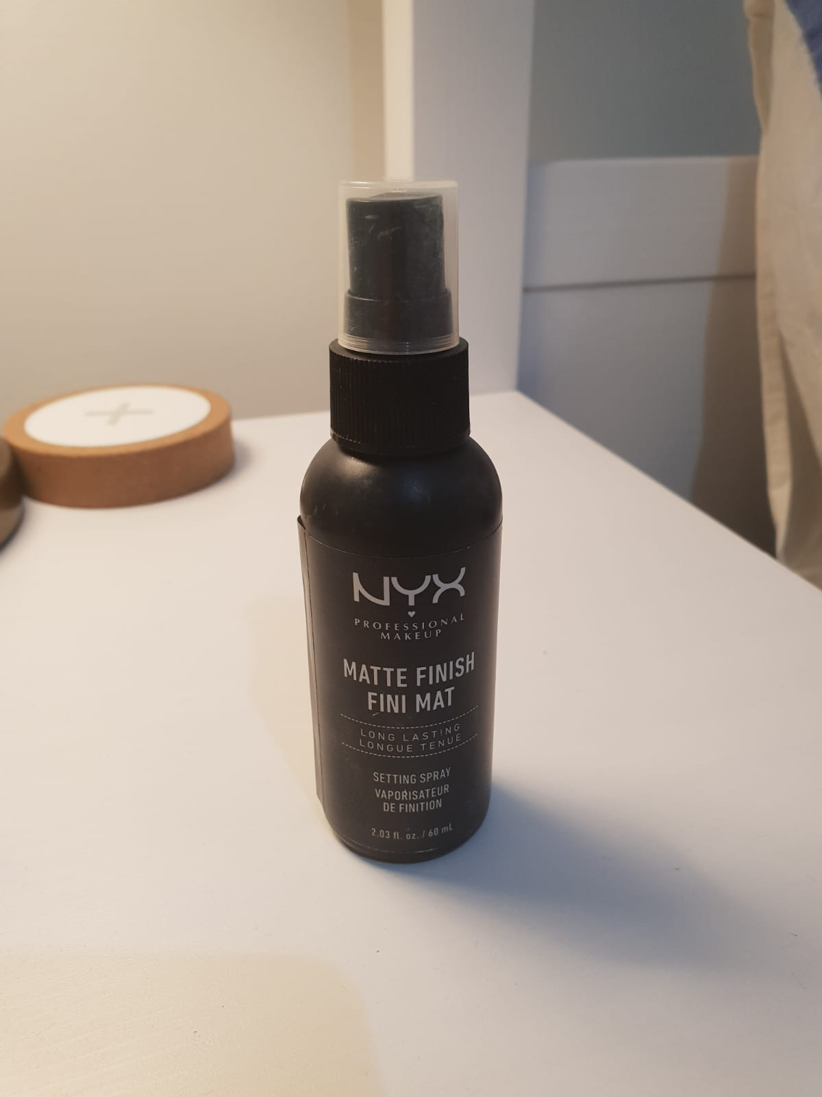 NYX Professional Makeup Matte Finish Makeup Setting Spray-Matte finish make up setting spray!-By poonam_kakkar