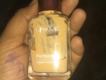 Lakme Perfecting Liquid Foundation -Nice Foundation-By vaishali_0111