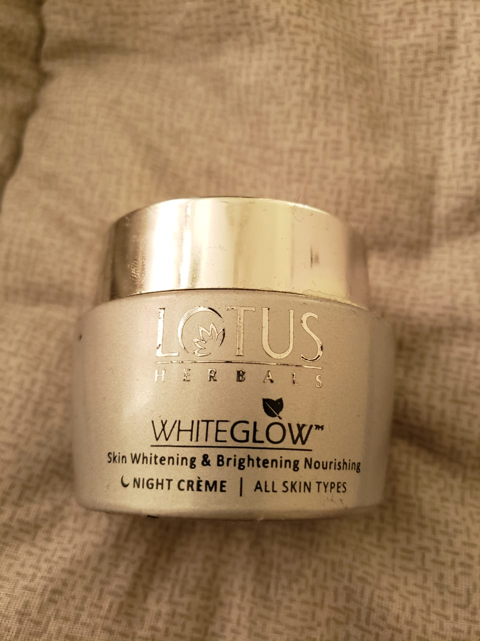 Lotus Herbals WhiteGlow Skin Whitening & Brightening Nourishing Night Creme-Miusturises and hydrates skin!-By poonam_kakkar