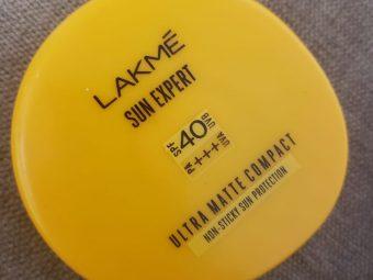Lakme Sun Expert Ultra Matte SPF 40 PA+++ Compact -Compact for the Sun!-By poonam_kakkar