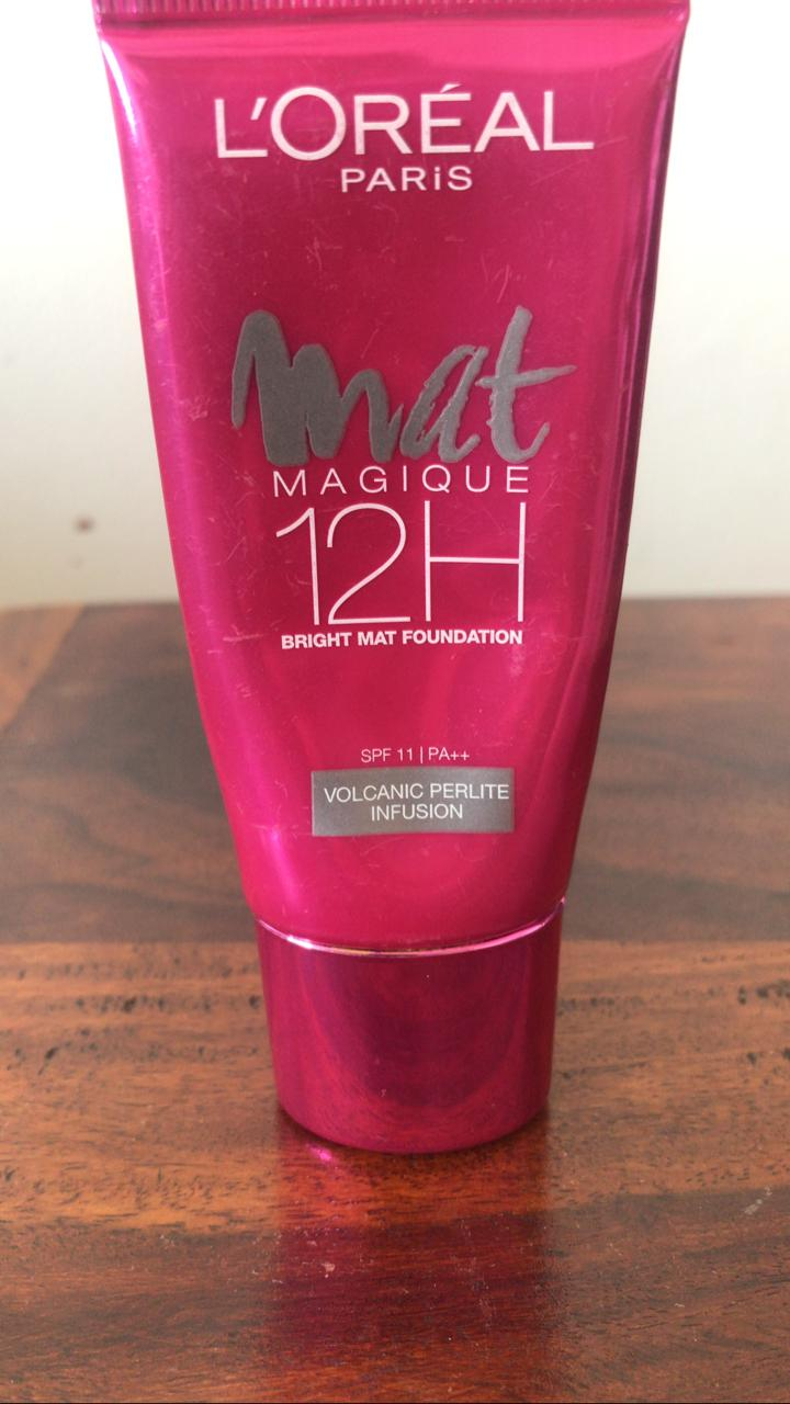 L'Oreal Paris Mat Magique 12H Bright Mat Foundation -Matte finish!-By poonam_kakkar