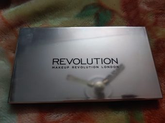 Makeup Revolution Ultra 32 Eyeshadow Palette pic 1-Amazing combination of matte and shimmery eye shadow!-By poonam_kakkar