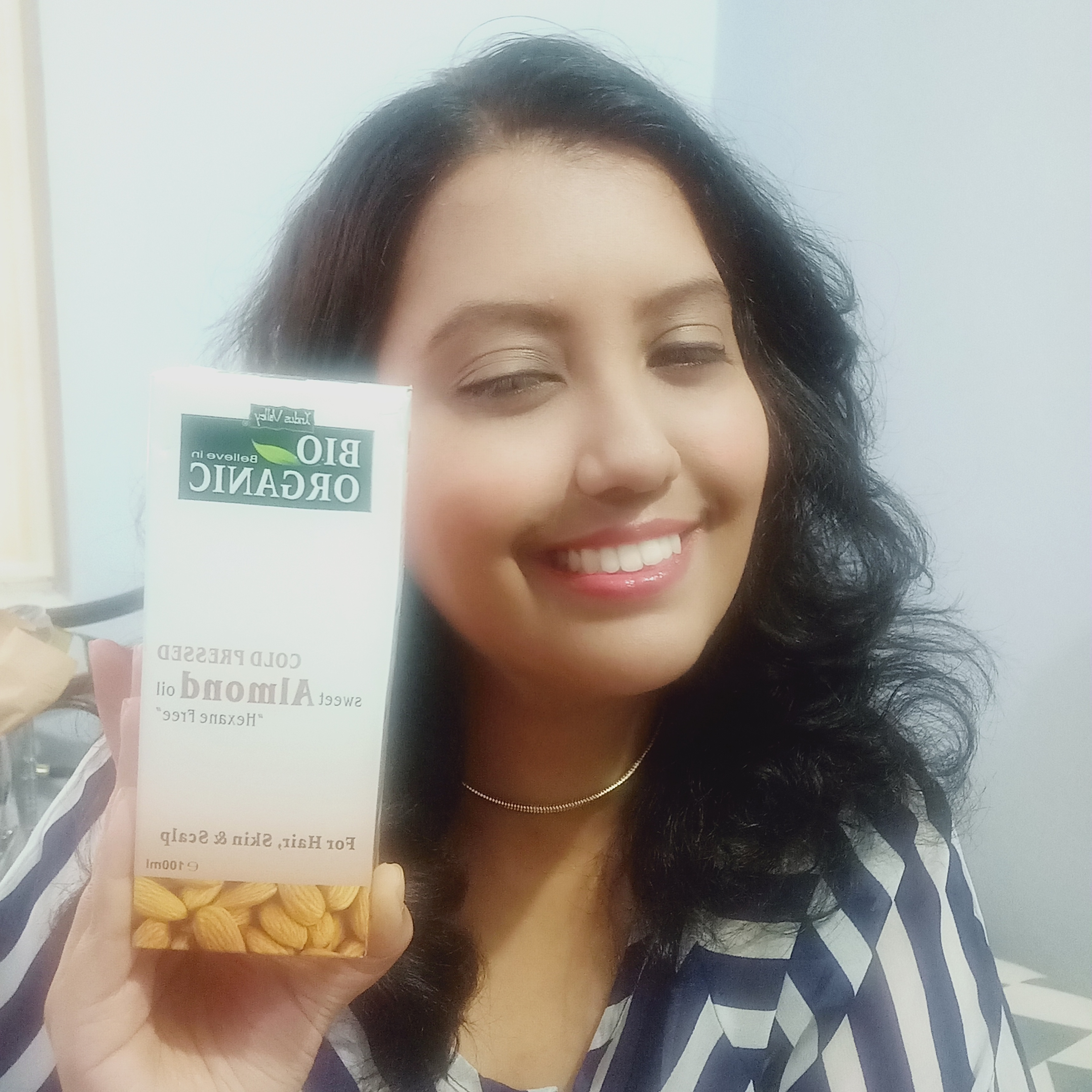 Indus Valley Cold Pressed Sweet Almond Oil-Affordable and keeps the skin fresh-By priyanka_bhosle-2