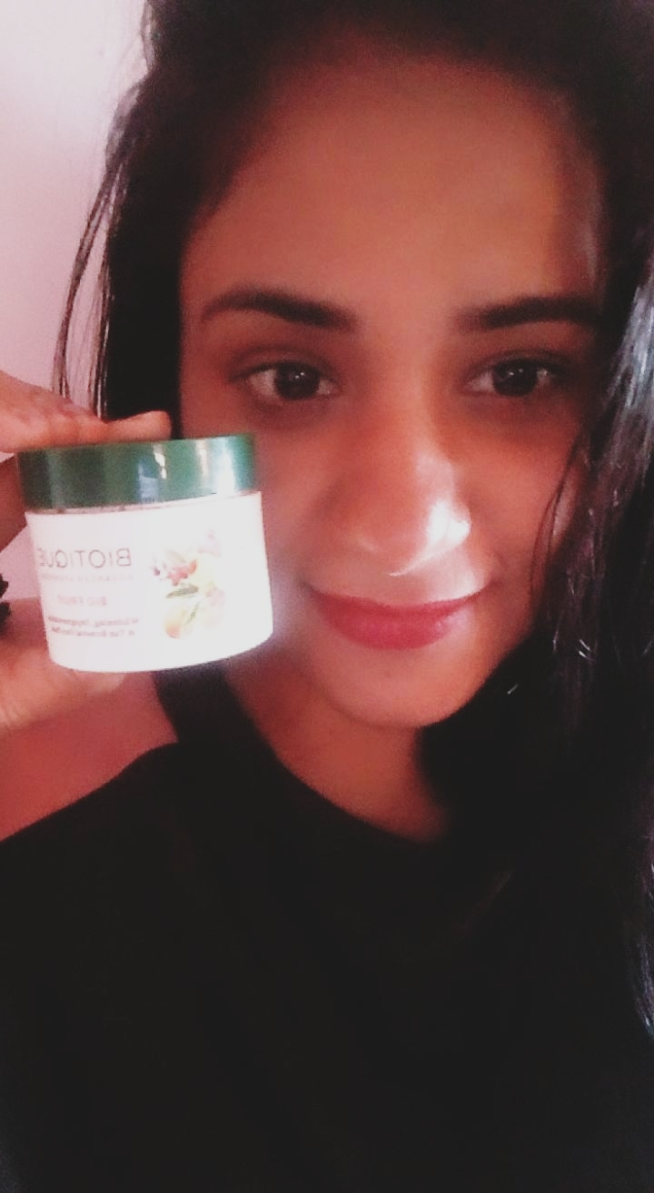 Biotique Bio Fruit Whitening & Depigmentation Face Pack-Flawless skin-By priyanka___ydv