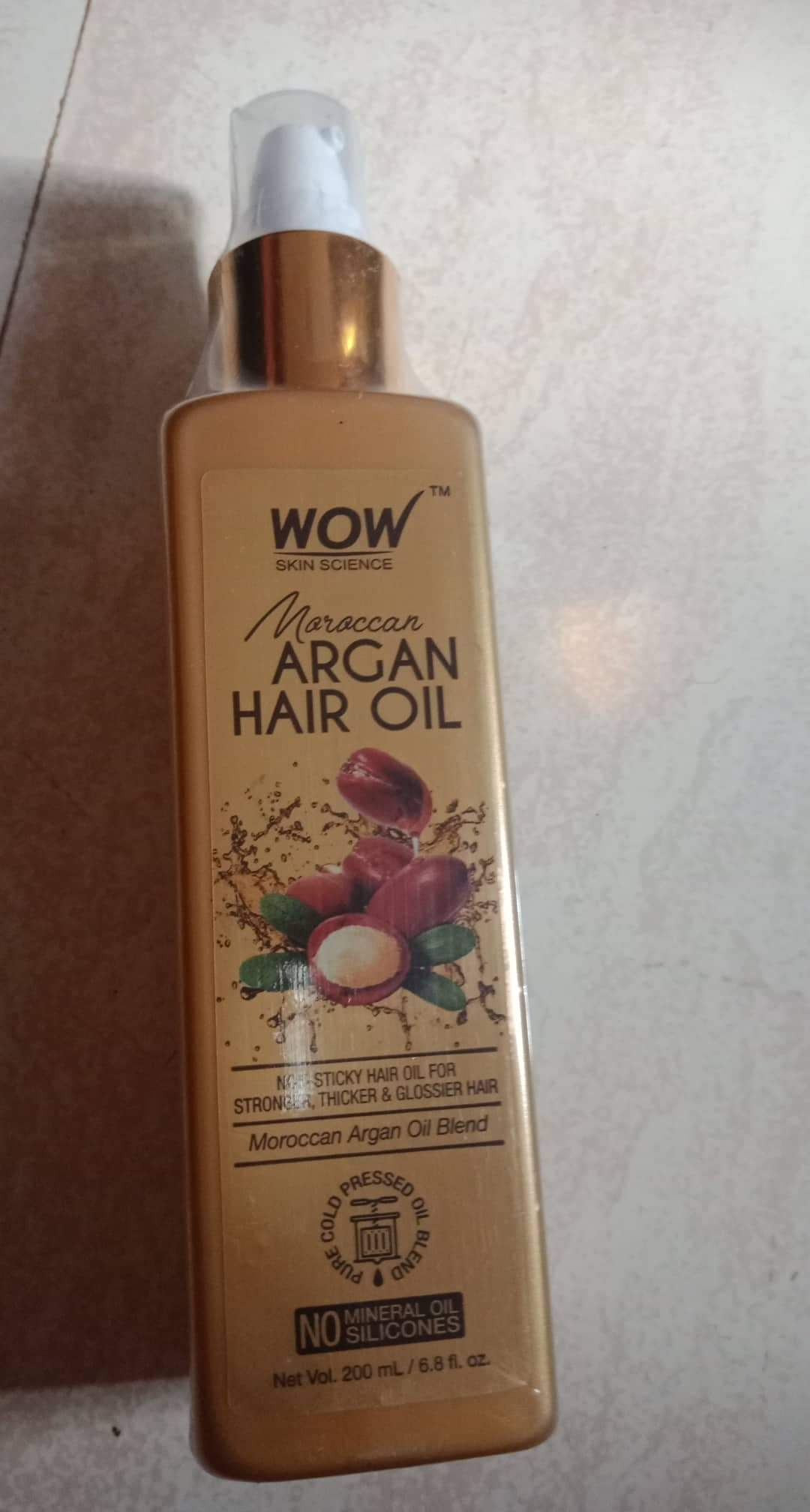 WOW MOROCCAN ARGAN HAIR OIL-Controls Fizz!-By poonam_kakkar-1