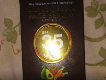 WOW Skin Science Matte Finish Sunscreen Lotion SPF 35 PA++ pic 1-Good for dry skin-By sanna