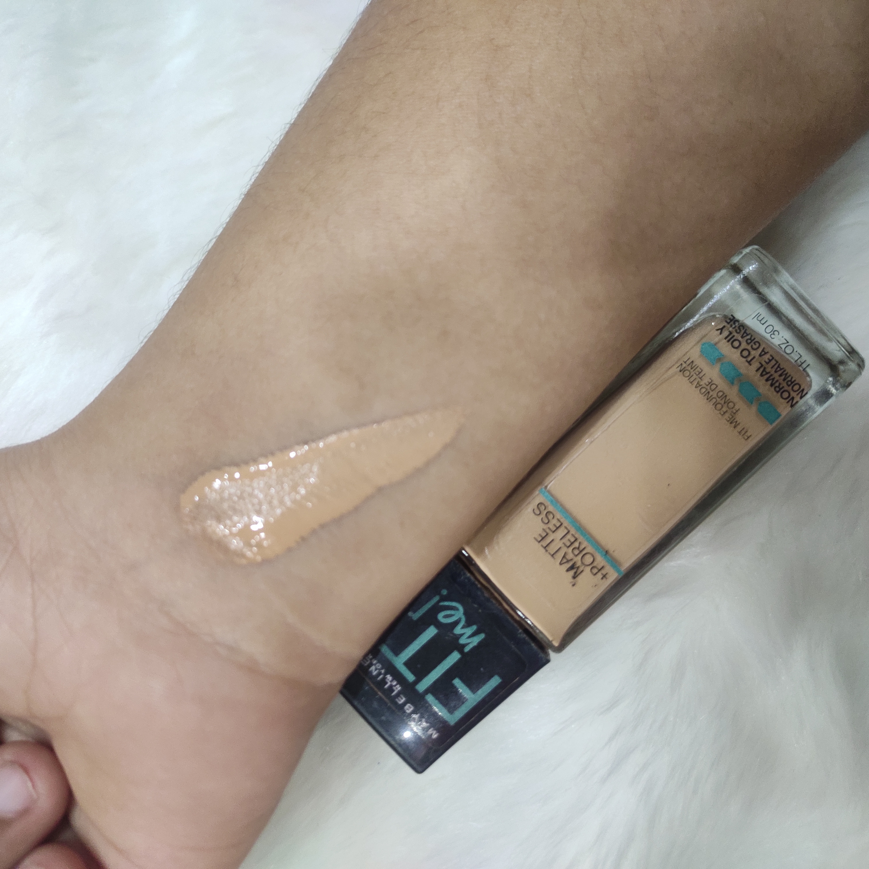 Maybelline New York Fit Me Matte + Poreless Foundation-Foundation That Fits Every Skintone-By nameera_junani-2