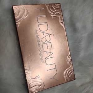 Huda Beauty Rose Gold Remastered Palette pic 3-Subtle Or Glam This Has You Covered-By nameera_junani