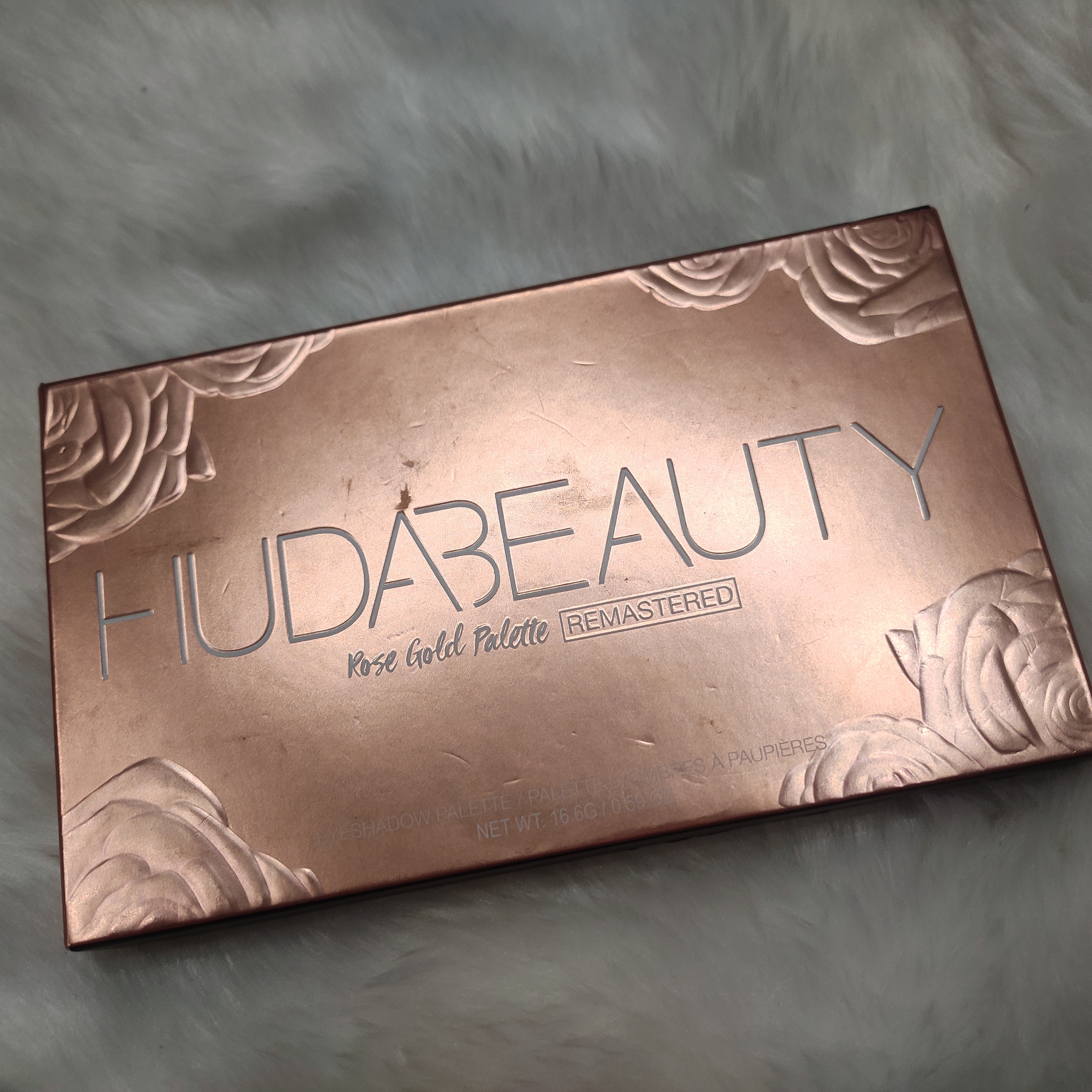 Huda Beauty Rose Gold Remastered Palette-Subtle Or Glam This Has You Covered-By nameera_junani-3