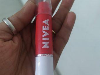 Nivea Coloron Lip Crayon pic 2-Love the tint-By akanshadivi