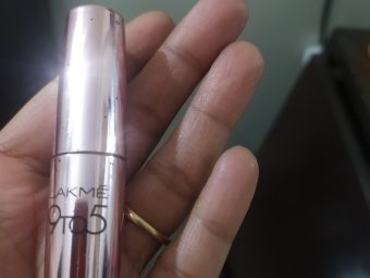 Lakme 9 To 5 Primer + Matte Lip Color pic 3-Perfect for my lips-By akanshadivi