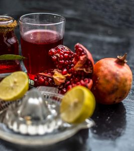Benefits of Pomegranate Face Pack in Hindi